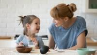 Çocuğunuzu Sağlıklı Atıştırmalıklara Alıştırmanızı Sağlayacak Değerli ipuçları